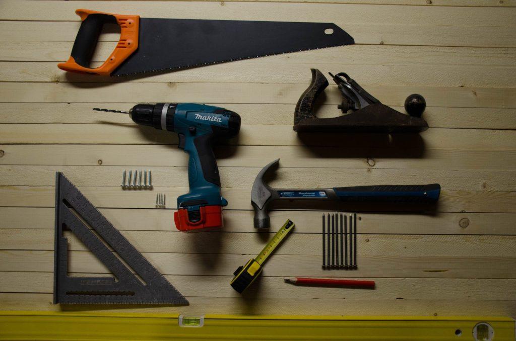 buying tools at a pawn shop